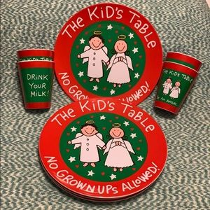 NWT Kid's Christmas Dinner Ware